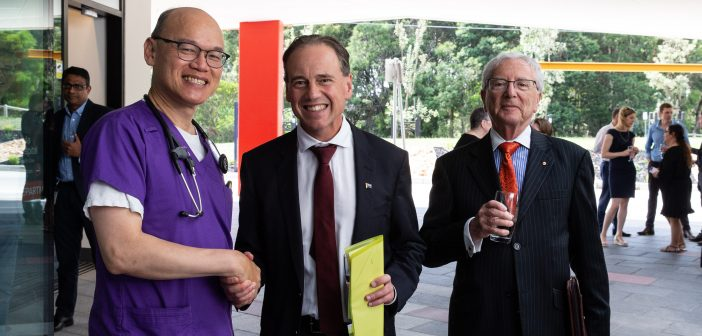 Dr Greg Szto with Federal Health Minister Greg Hunt and Ramsay Health Care's Group Chief Medical Officer Professor John Horvath at the opening of Peninsula Private Hospital's $34 million expansion.