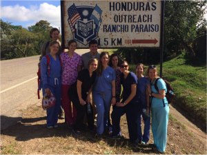 Group of second year physical therapy students (and accompanying professor Dr. Nathan Hellyer) that travelled to Honduras for this experience. Photo credit: