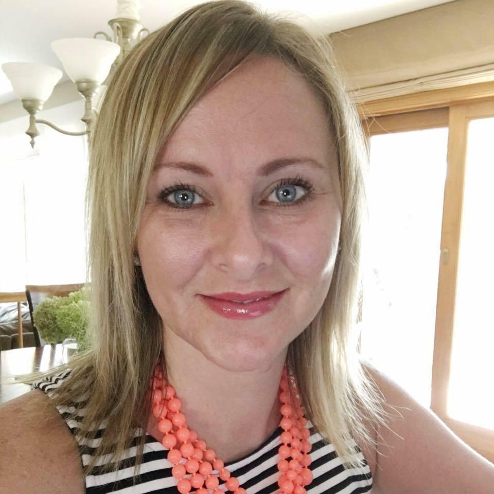 Amanda, Connect Moderator