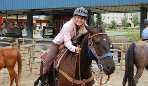 2018-8-20 Kari Connect Member Spotlight Horseback Image