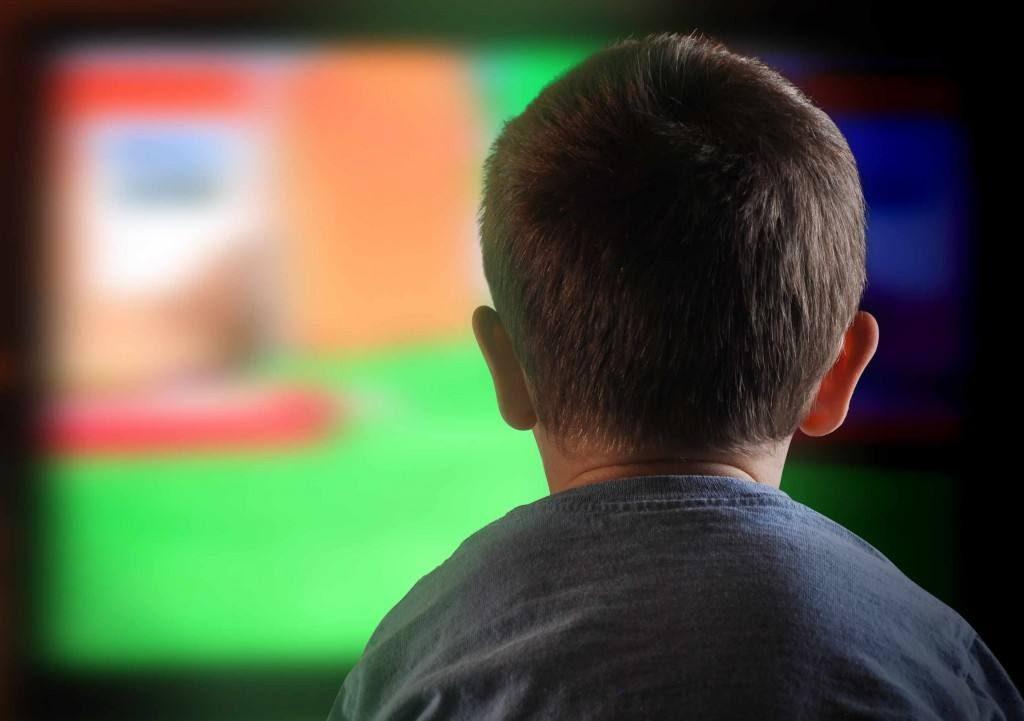 boy-staring-at-television-1024x721