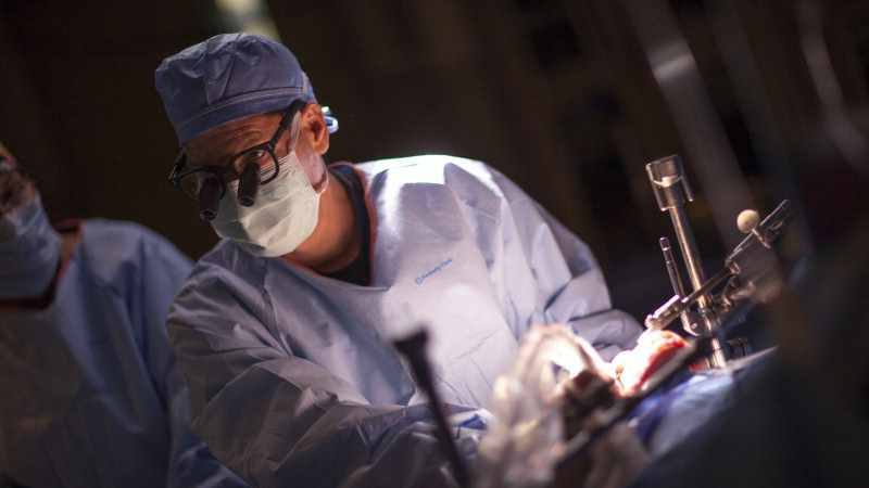 a-surgeon-in-operating-room-performing-a-lung-transplant-16x9
