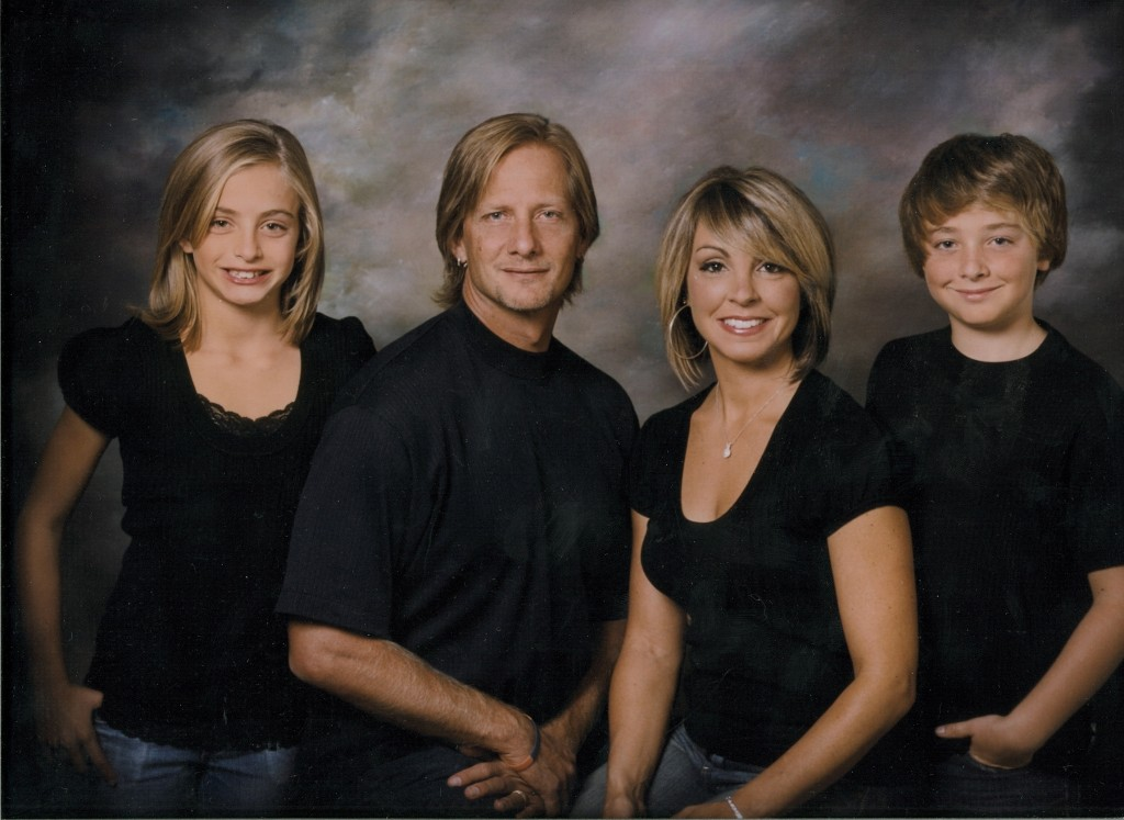 Darrin Nelson and his wife and children