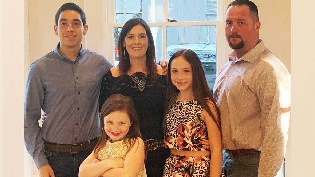 When surgery to ease the swelling and irritation that had developed around Amber Taff's heart failed to improve her cardiac function, the 34-year-old decided to take her health into her own hands by going to Mayo Clinic.