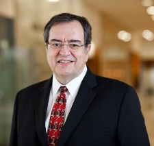 Dr. Robert Diasio, director del Centro Oncológico