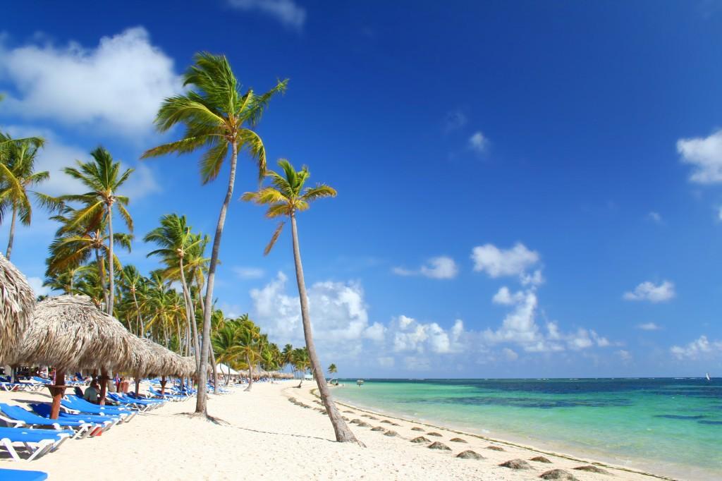 Sunshine, blue sky and beach