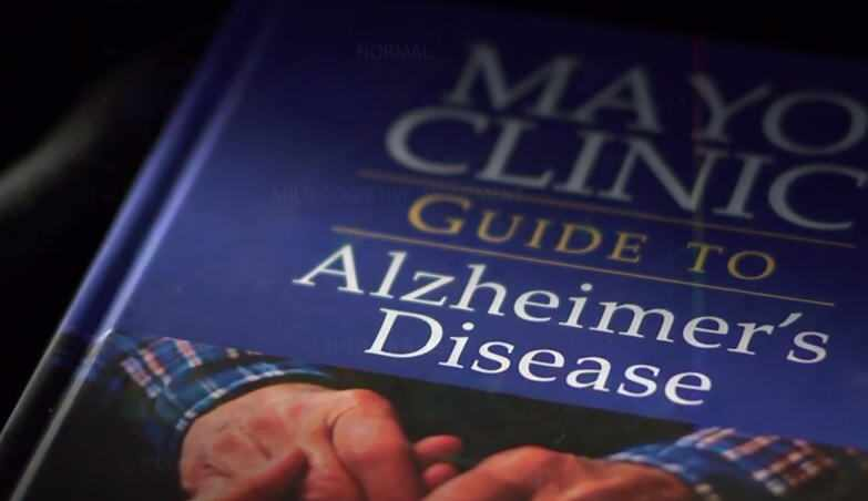 cover of Mayo Clinic book on Alzheimer's disease