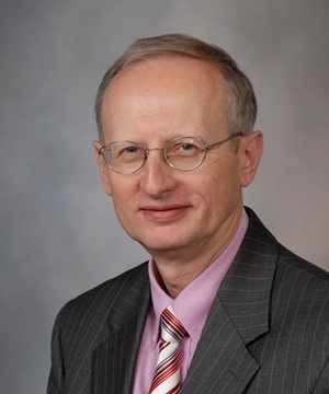 Dr. Zbigniew Wszolek