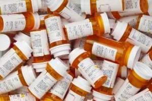 Varios frascos de medicamentos