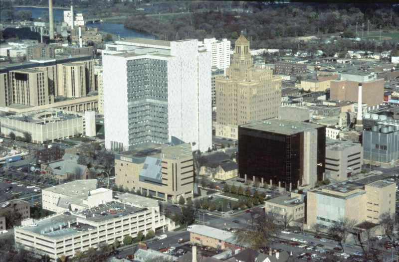 photo of 1984 Mayo Clinic Rochester campus