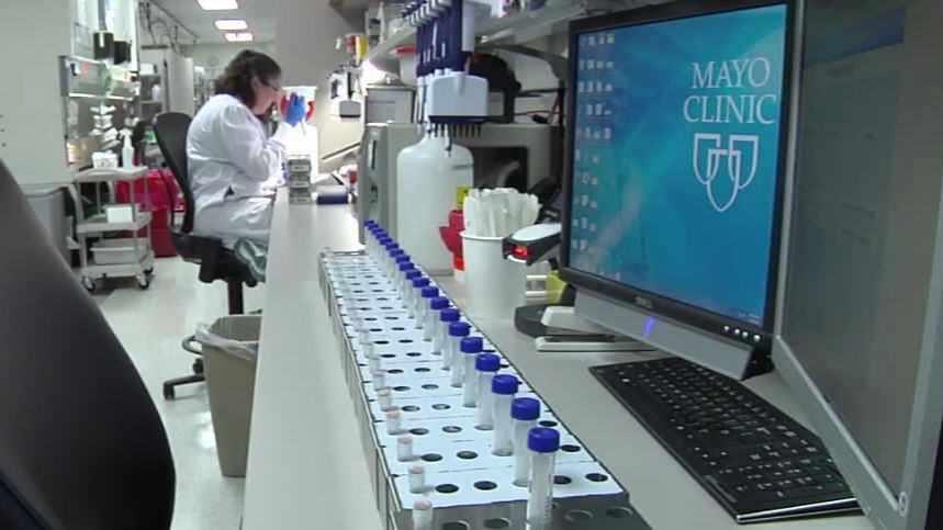 woman working in Mayo Clinic biobank
