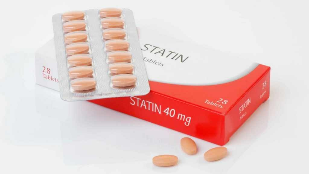 generic pack of the controversial cholesterol preventative drug Statin - with logos removed