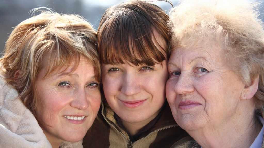 three generations of women 16 x 9