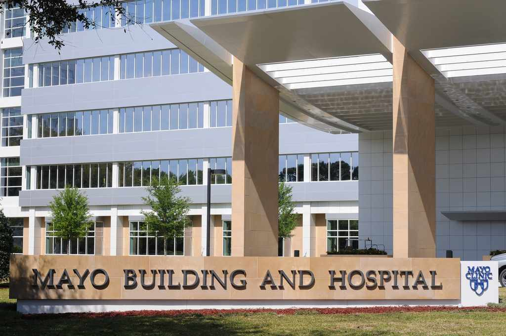 exterior of Mayo Clinic hospital entrance in Florida