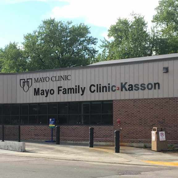 Front entrance of Mayo Family Clinic Kasson