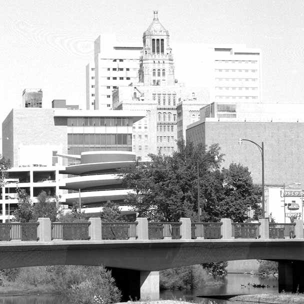 a 1975 photograph of Mayo Clinic's campus in Rochester, Minnesota