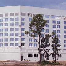 a 1986 photograph of Mayo Clinic's campus in Jacksonville, Florida