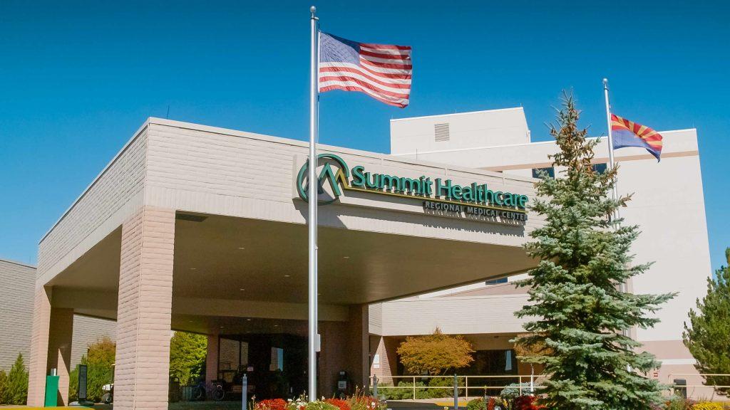 Entrada del centro médico regional Summit Healthcare