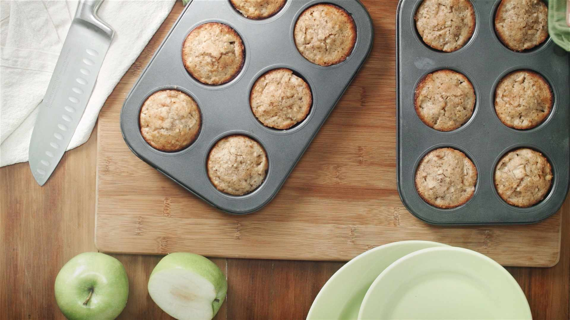 apple cinnamon muffin1-16-x-9