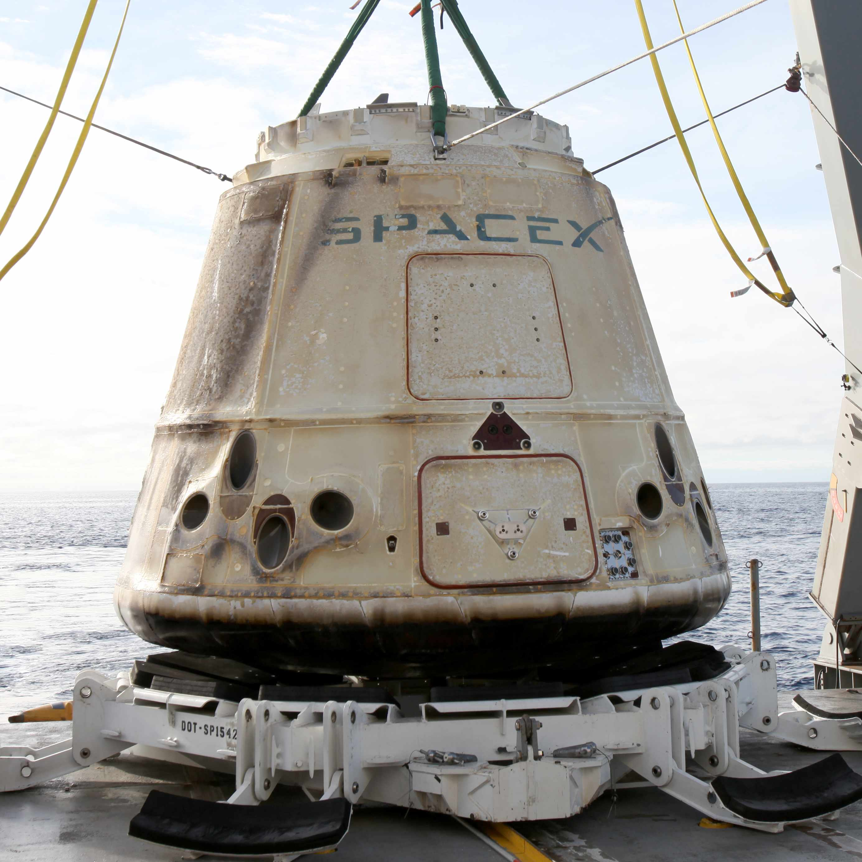SpaceX Dragon landing with stem cell research