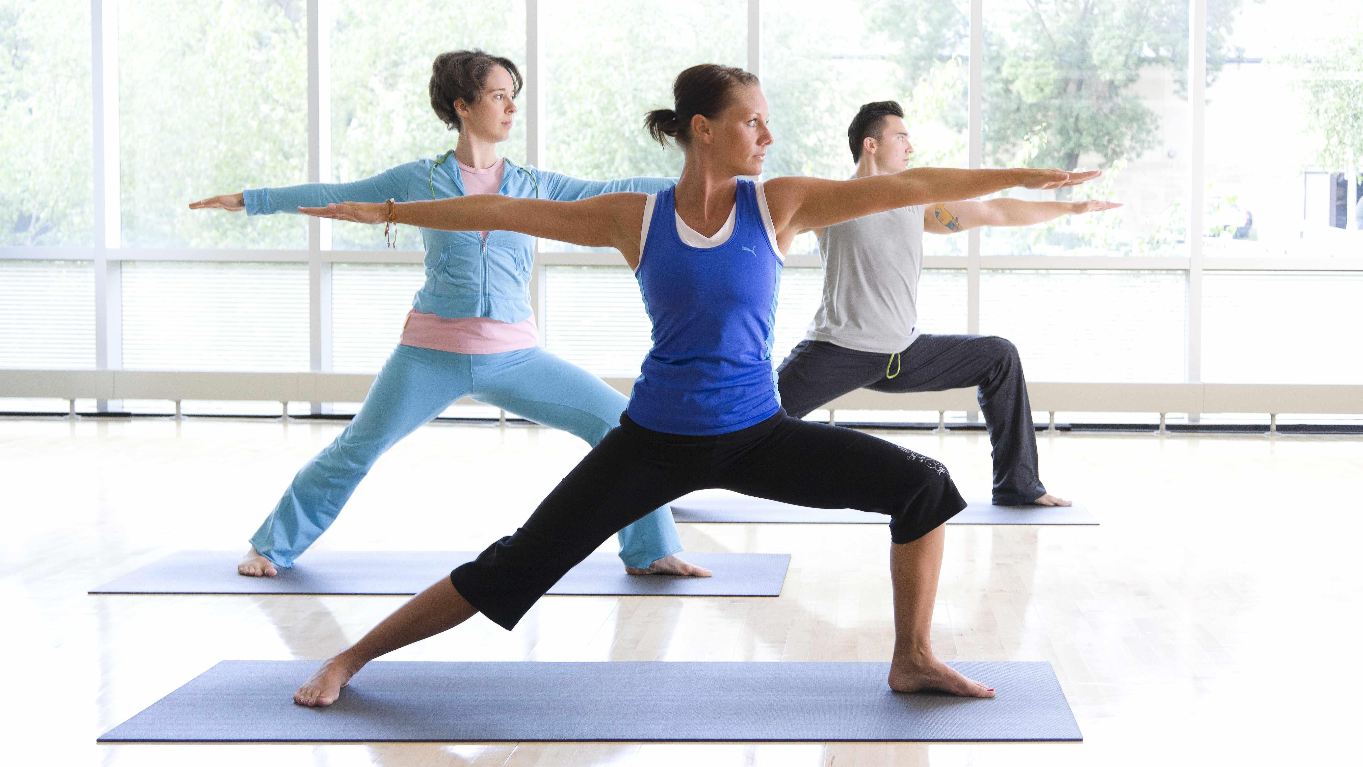 Consejos de salud  Yoga para combatir el estrés y encontrar serenidad 76c54a0c24e1