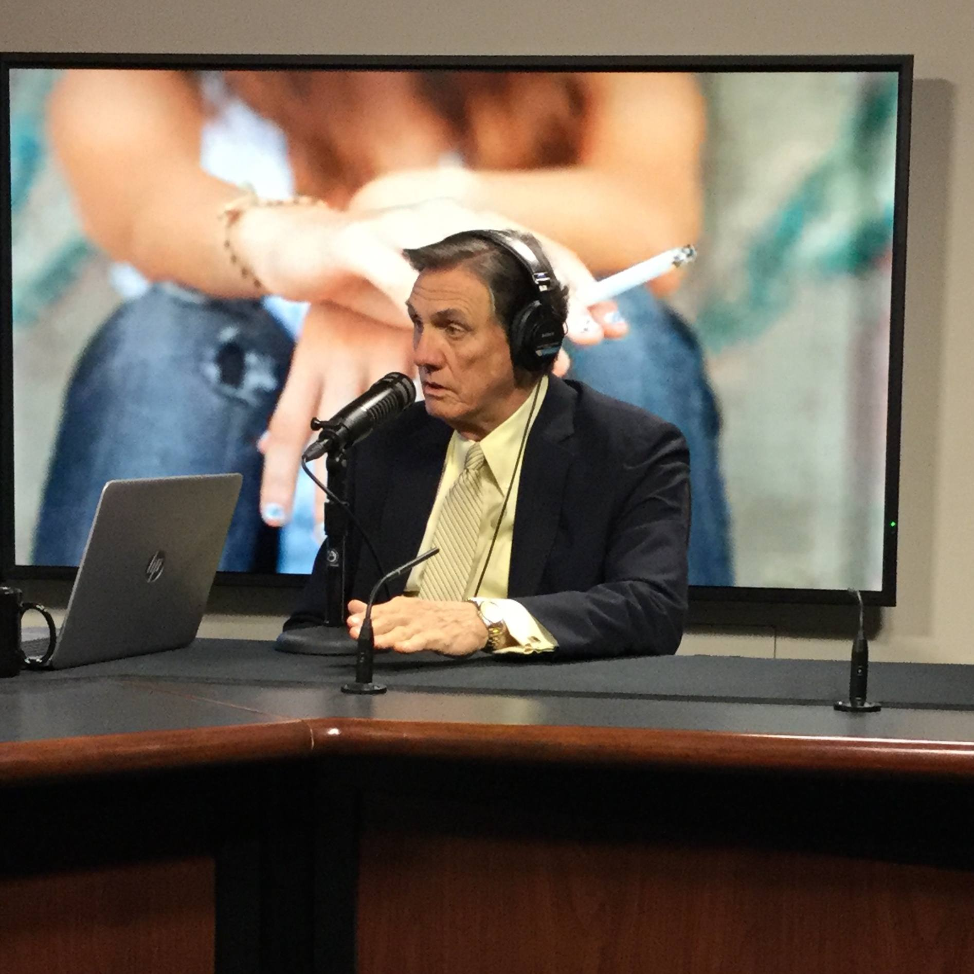Dr. Richard Hurt being intervewed on Mayo Clinic Radio