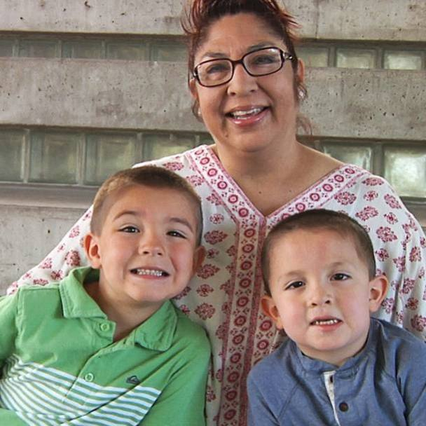breast cancer patient Elena Blevins with her grandchildren for Sharing Mayo Clinic