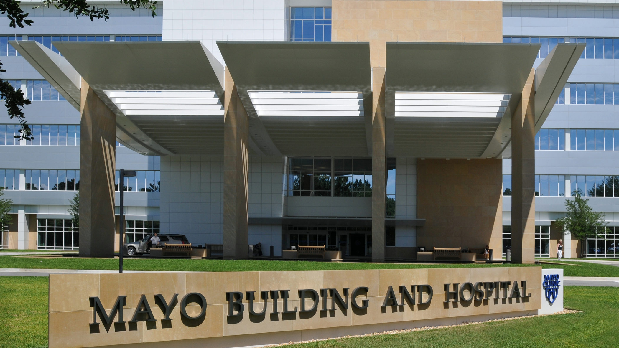 Closeup of Mayo Building and Hospital sign on the Mayo Clinic Florida campus