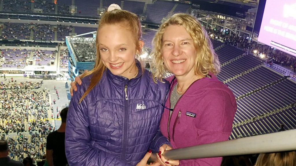 In the Loop patient Kate Fossum and her mom Lana Fischer at the Ed Sheeran concert in Minneapolis