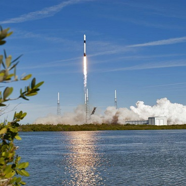 Lift off of SpaceX-16 resupply mission at Kennedy Space Center