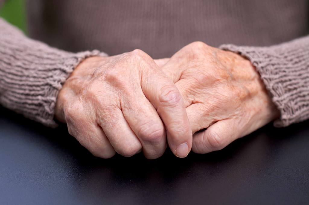 Consumer Health: Dealing with arthritis pain