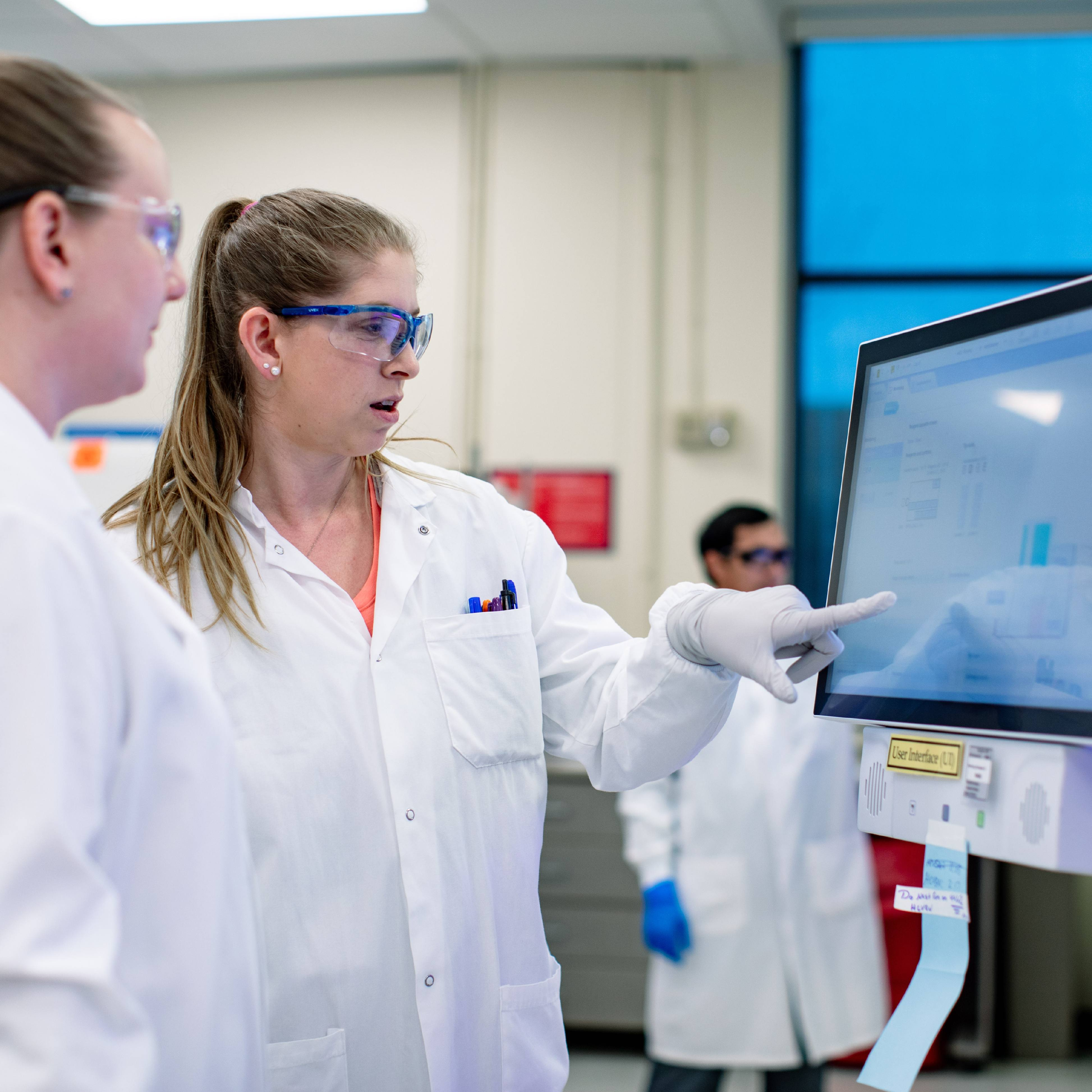 Mayo Clinic Laboratories COVID-19 researchers in lab