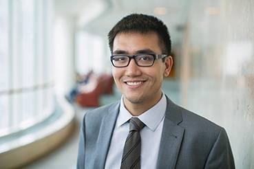 Nicholas Chia, Ph.D., studies the impact of the microbiome on colon cancer.