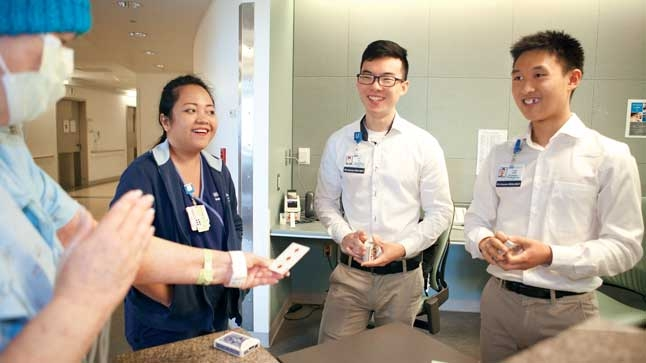 Volunteers Work Their Magic to Boost Patients' Moods