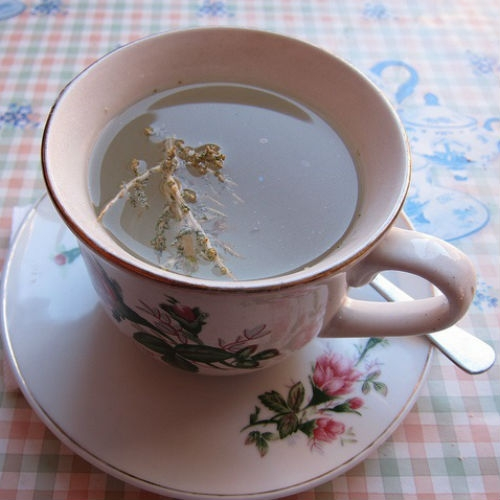 A cup of hot tea a day could keep glaucoma away