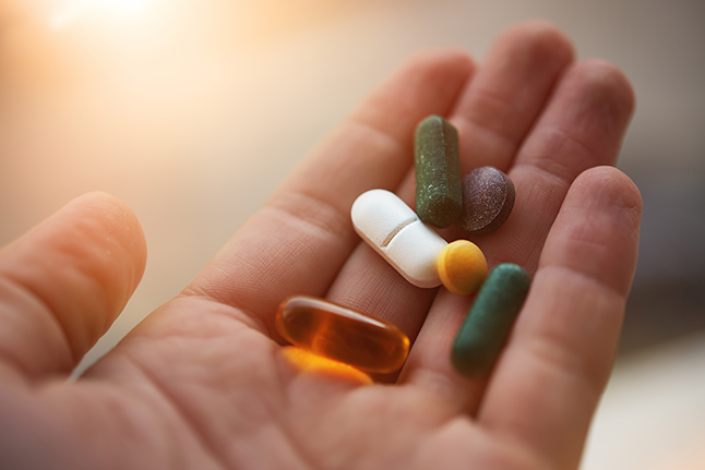 Dietary supplements: weighing the risks and benefits