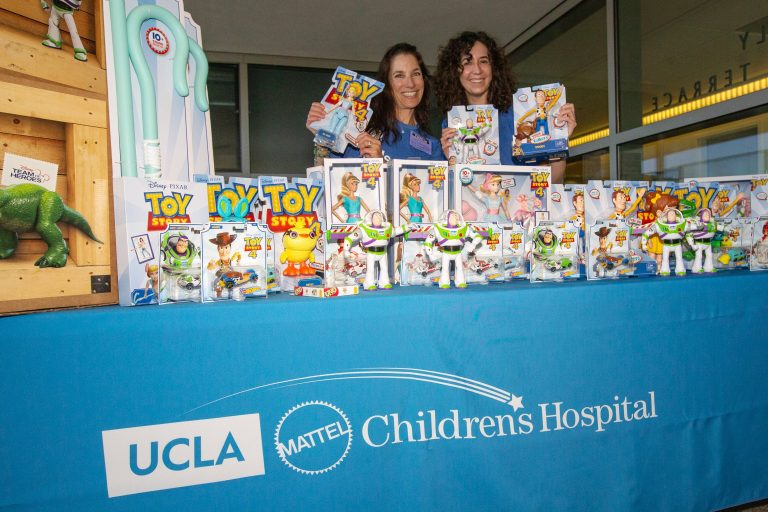 Mickey Mouse and Minnie Mouse visit hospitalized kids at UCLA Mattel Children's Hospital