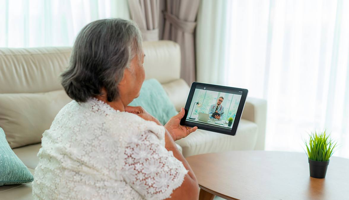 Health Tips for Seniors and Their Caregivers During COVID-19