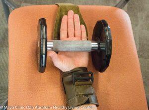 grip-assist-activity-mitt_step-4_db