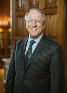 Steven H. Rose, M.D., dean of the Mayo School of Graduate Medical Education