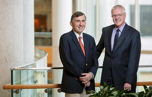 Dr. Fernando Fervenza y Dr. Ulrich Specks, colegas y colaboradores