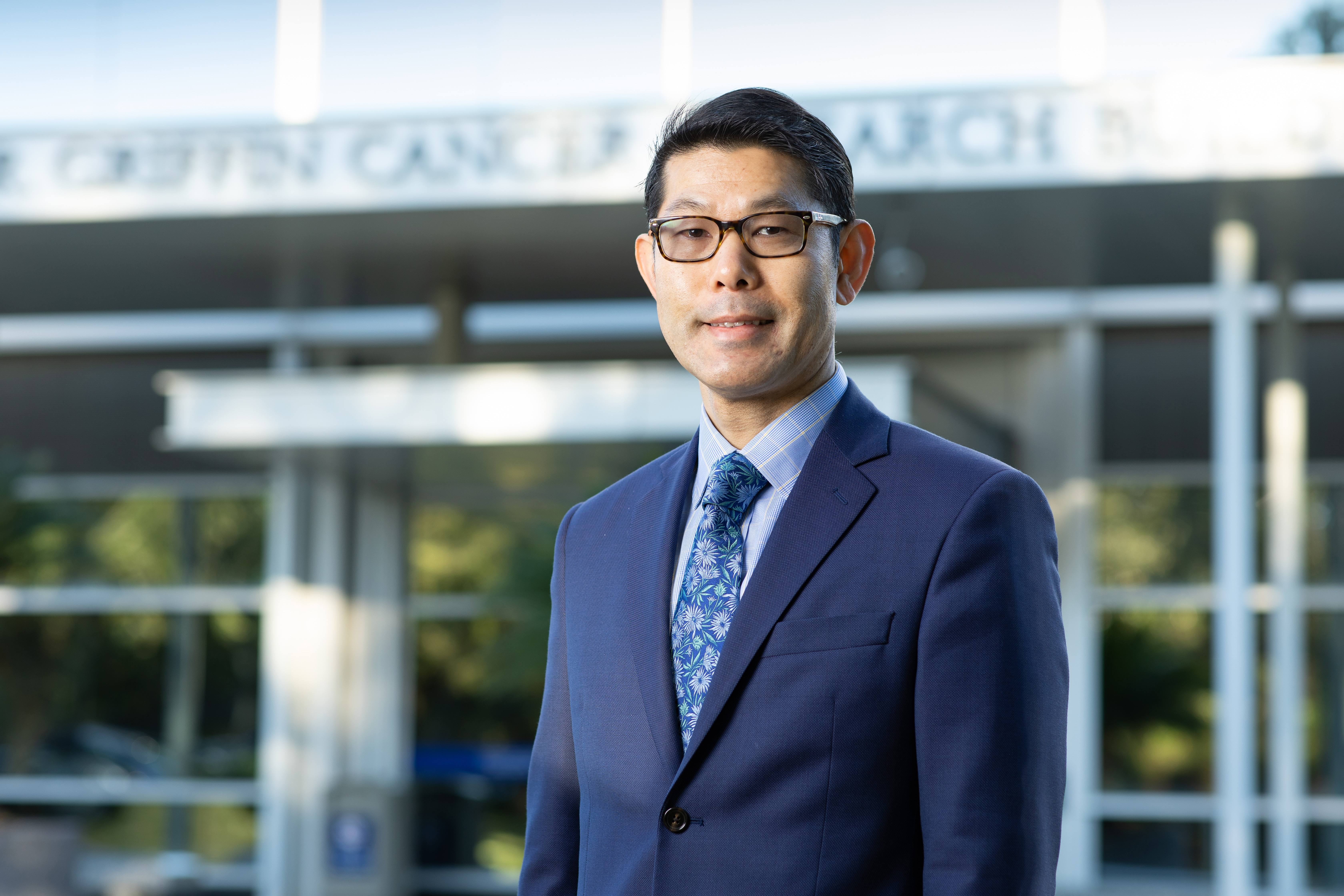 Dr. Ikezu pushes to find answers for Alzheimer's disease