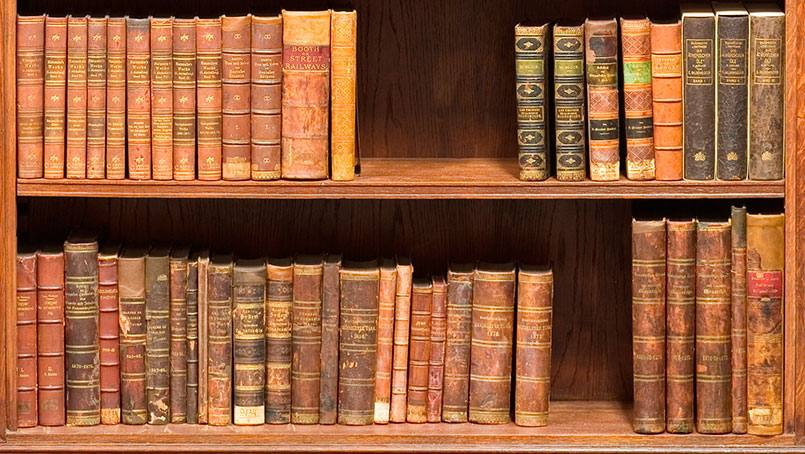 "Retired physician W. Bruce Fye donated 9,000 ""rare, valuable"" books from his personal collection to Mayo Clinic."