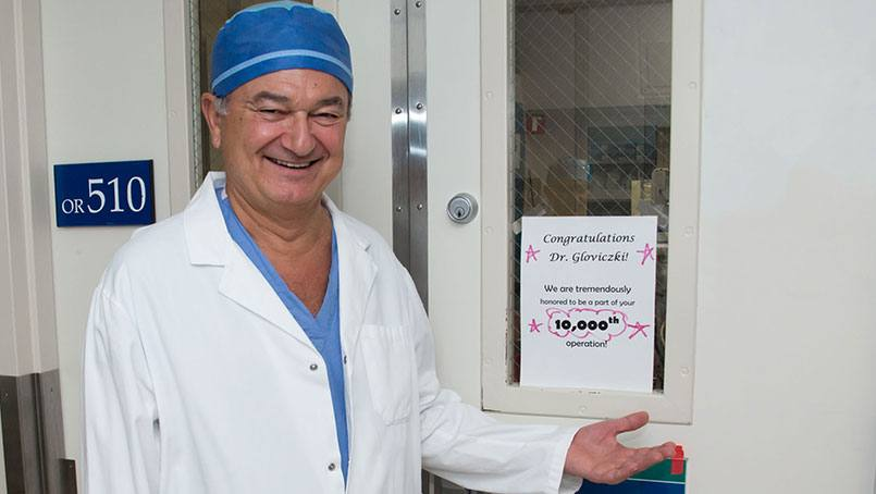 Dr. Gloviczki reached a milestone few others have when he completed his 10,000th surgical procedure since joining the staff of Mayo Clinic.