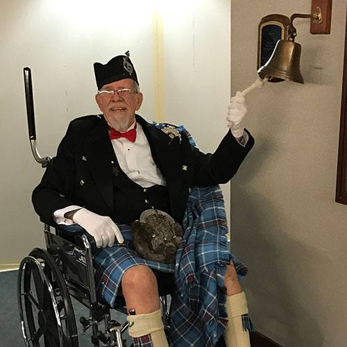 "As his final day of radiation treatment at Mayo Clinic approached, Leonard Hislop decided he wanted to celebrate by dressing in a 'formal kilt outfit"" to pay homage to his Scottish heritage. His care team, however, took things one step farther."