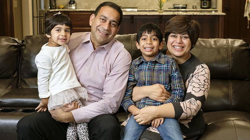 Chetna Mangat, M.D., and her husband, Gagandeep Singh, M.D., quickly put their medical skills to work when a passenger on their flight went into cardiac arrest.