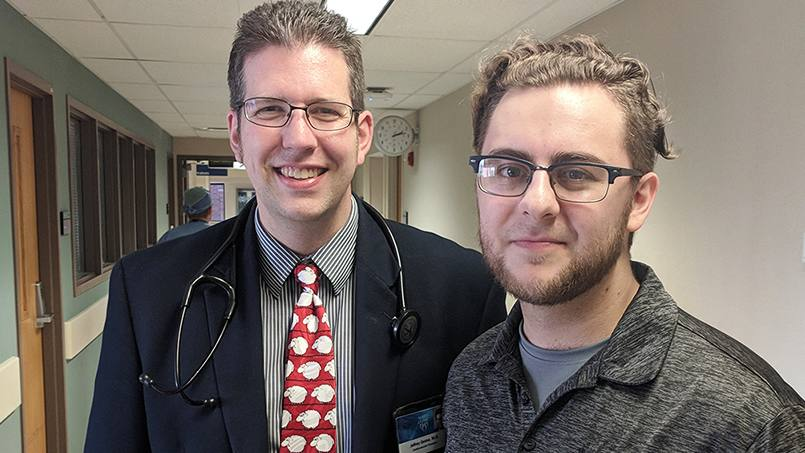 When Mayo Clinic Cardiologist Jeff Geske, M.D., saw news reports of how a violent robbery had left fellow video game enthusiast Brian Scott with a fractured skull, he knew he needed to do something to help.