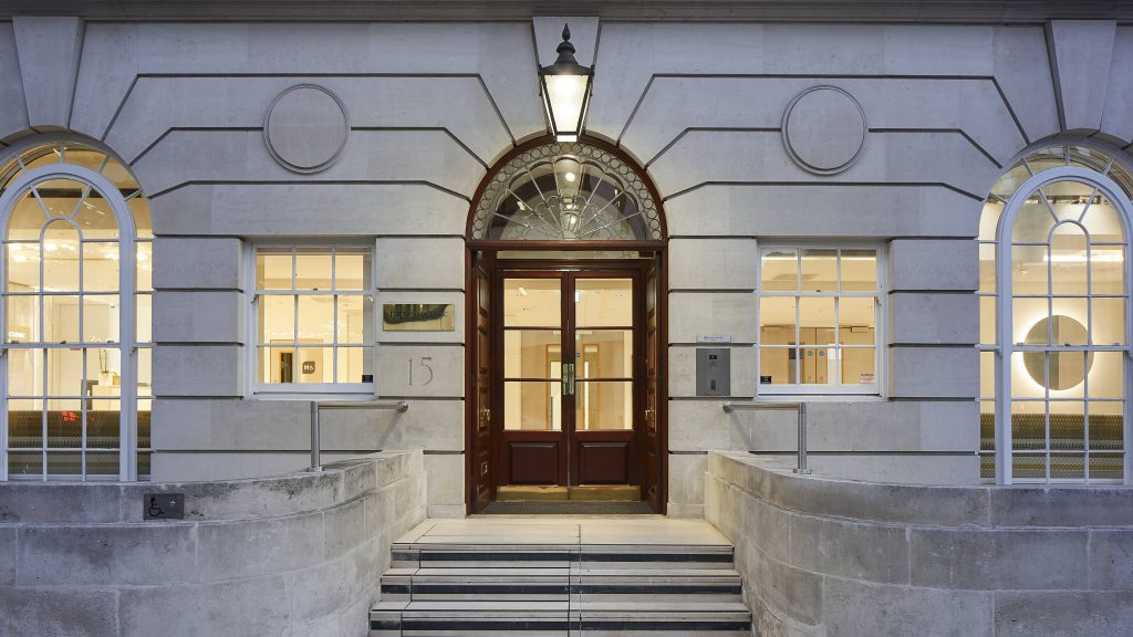 Mayo Clinic Healthcare, 15 Portland Place, Londres