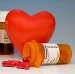Ilustración del corazón y medicamentos