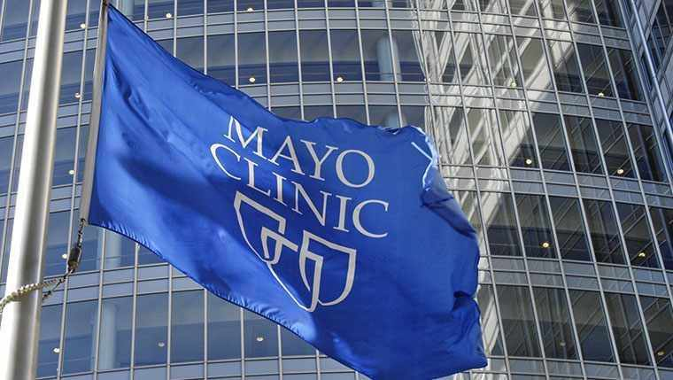 Gonda Building with Mayo Clinic Flag